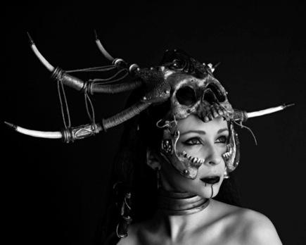 goetia_girls_succubus_evocation_horned_sorceress_priestess_of_faustus_crow_sorcerer