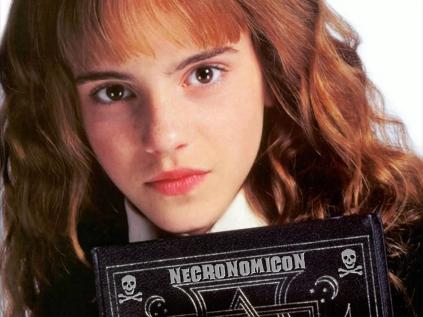 goetia_girls_hermione_granger_schoolgirl_witch_succubus_neconomicon_emma_watson_witchcraft_occult_hogwarts