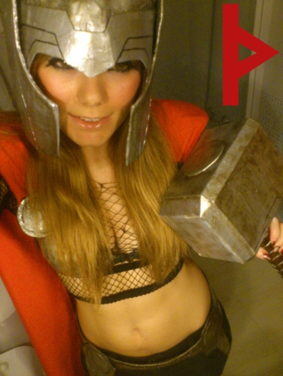 goetia_girls_lady_thor_cosplay_succubus_comic_conention_rune