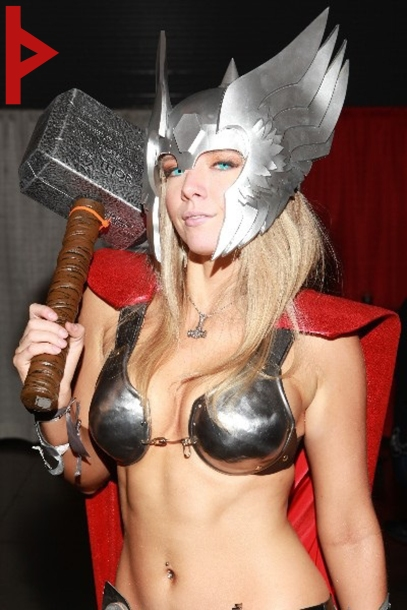 goetia_girls_succubus_lady_thor_cosplay_norse_gddess_storm_hammer
