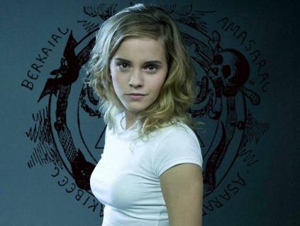 gotia_girls_emma_watson_hermione_granger_hogwarts_schoolgirl_witch_succubus_occult_lucid_dream