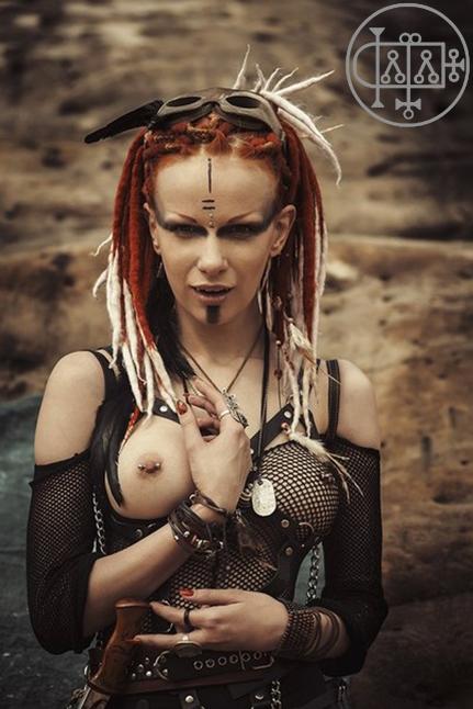 goetia_girls_malphas_mad_max_maxine_succubus_art_muse_dystopian