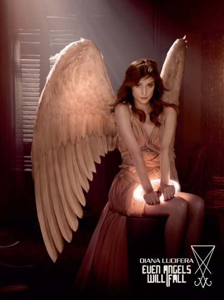 A24041_ELVIS_ANGELS_FAYE_AXE_300x222.indd