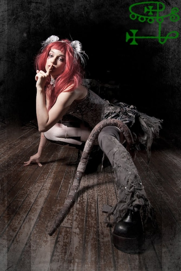 goetia_girls_succubus_valefor_valefora_emilie_autumn_rat_witch_queen_steampunk_art_muse