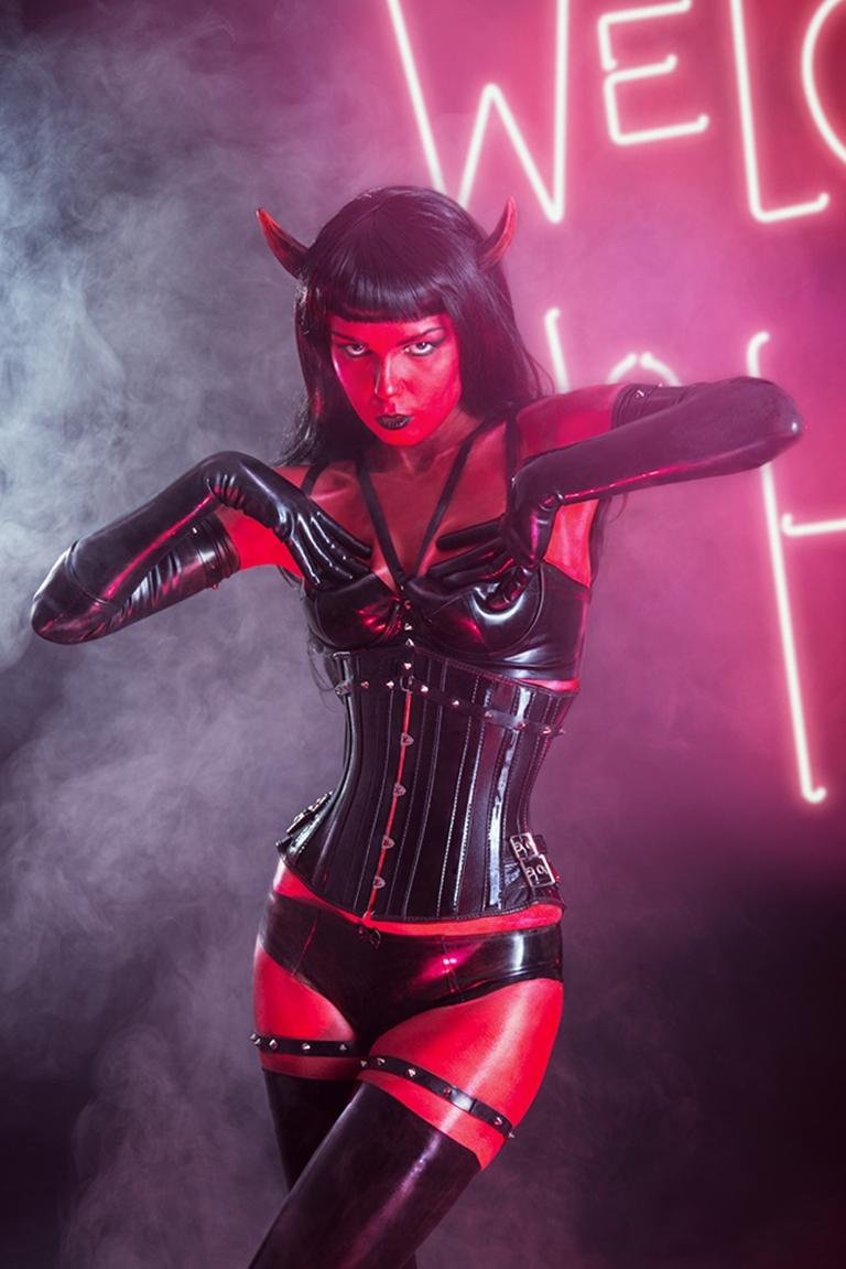 Devil girl porno pics
