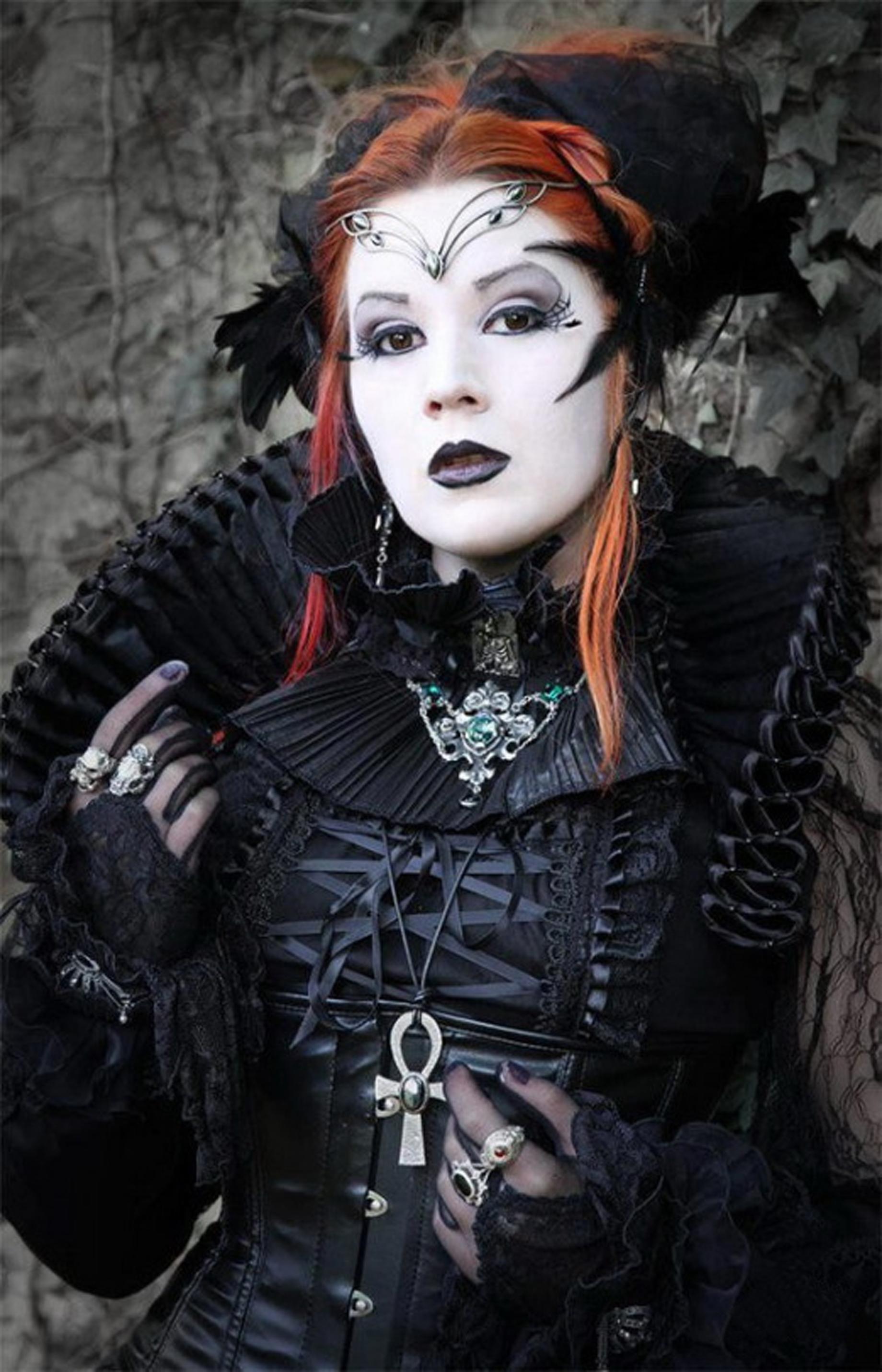 Hentai Vampire Girl inside vampire girl | faustus crow